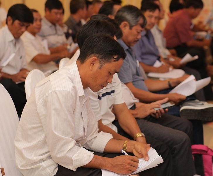 Người chăn nuôi Bình Định nói không với sử dụng chất cấm trong chăn nuôi gia súc, gia cầm