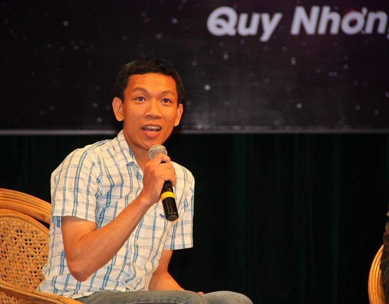 Lê Ngọc Trẫm, một chàng trai con nhà nghèo quê Phú Yên, hiện đang là nghiên cứu sinh ngành Vật lý thiên văn tại Pháp