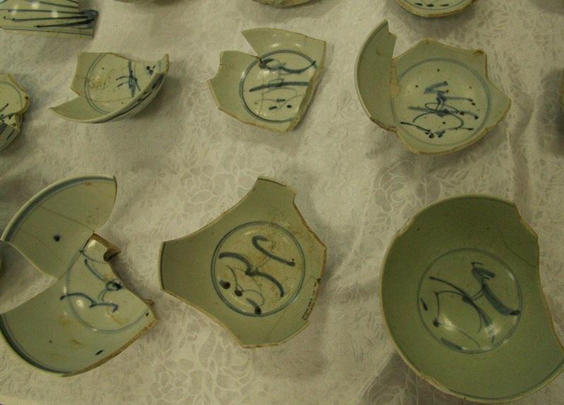 Gốm Hizen (Nhật Bản) với những nét hoa văn thương đồng