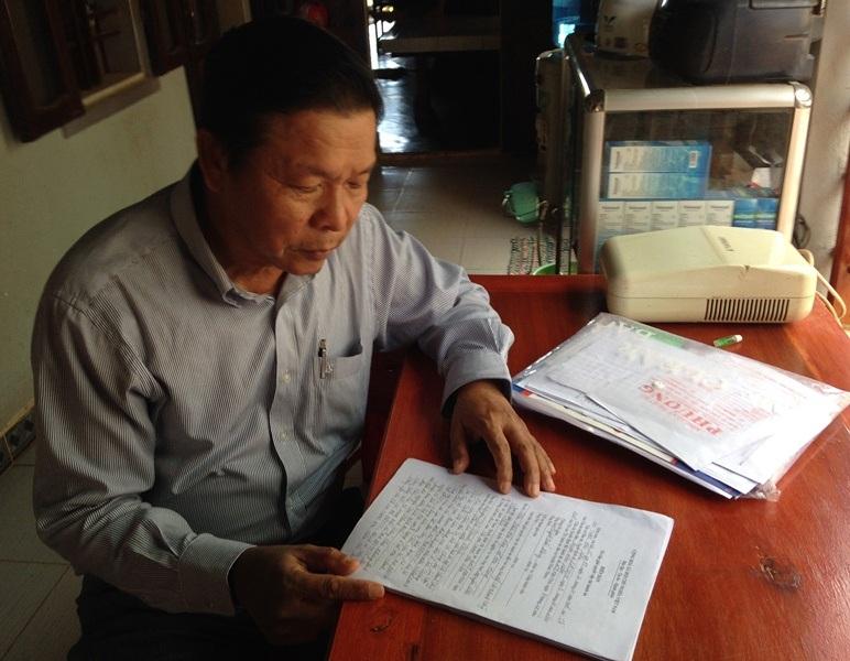 Ông Nguyễn Thanh Hùng bức xúc không biết khi nào TAND huyện Hoài Nhơn mới hủy được 2 hợp động trong khi gia đình tự thuê người tìm kiếm tàu cá về để yêu cầu cơ quan chức năng thi hành án