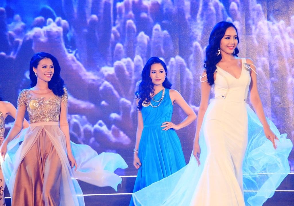 Thí sinh Hoa hậu Bản sắc Việt toàn cầu khoe đường cong nóng bỏng - 5