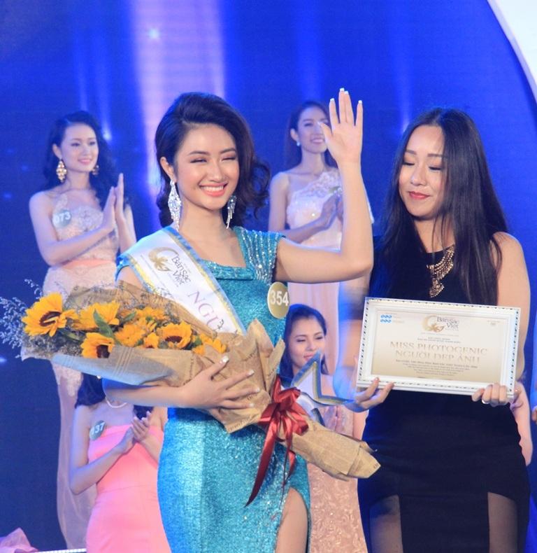 Thí sinh Trần Thị Thu Ngân đạt danh hiệu Người đẹp ảnh