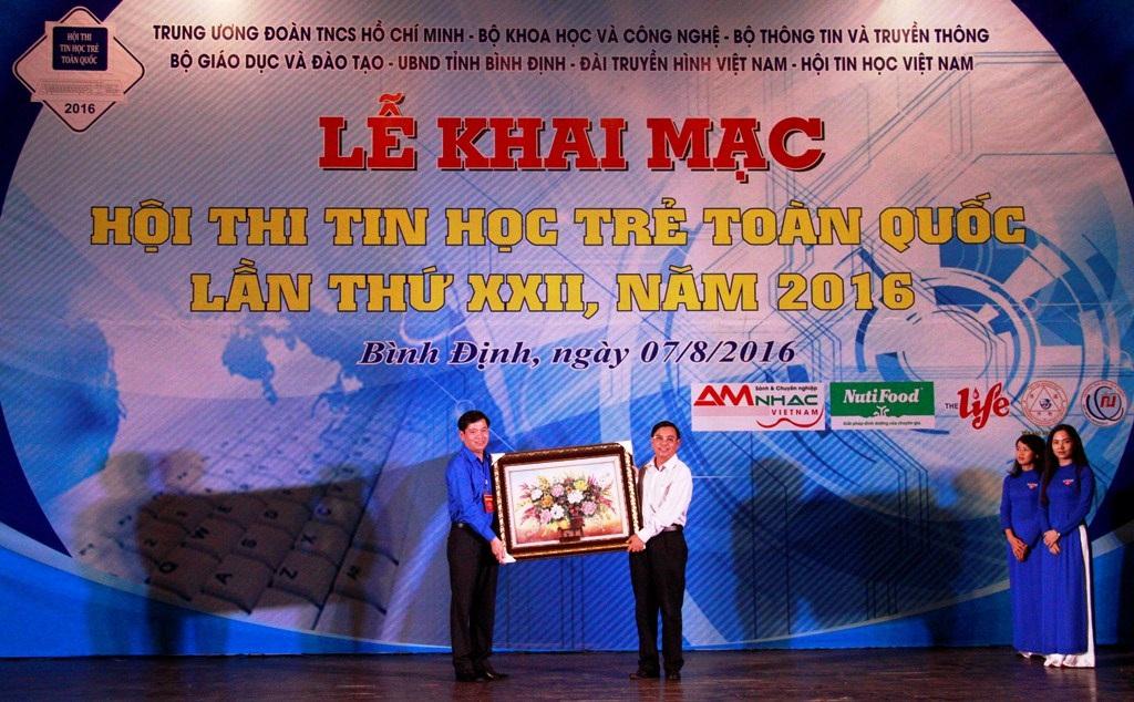 Lễ khai mạc Hội thi Tin học trẻ toàn quốc lần XXII năm 2016 tổ chức tại Bình Định