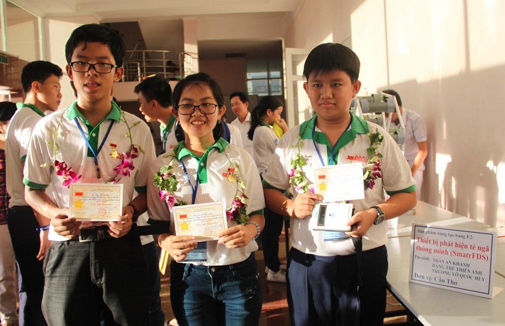 3 thí sinh ở Cần Thơ giành giải nhất với sản phẩm sáng tạo Thiết bị phát hiện té ngã thông minh