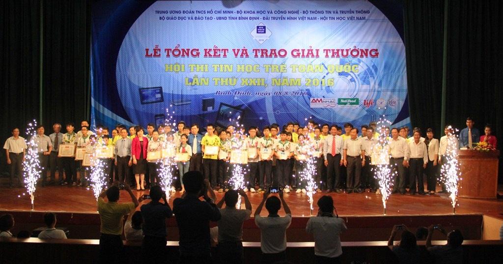 Tổng kết và trao giải thưởng Hội thi Tin học trẻ toàn quốc lần thứ XXII năm 2016 diện ra tại Bình Định