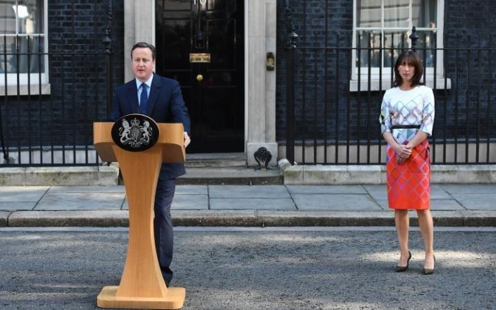 Thủ tướng Anh David Cameron (trái) tuyên bố từ chức sau Brexit (Ảnh: Reuters)