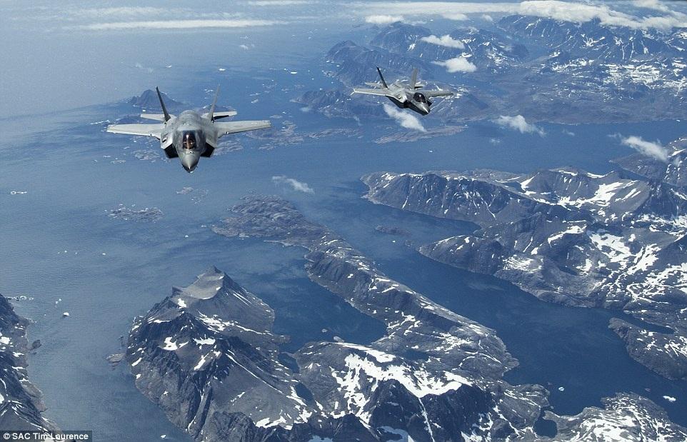 Phi đội máy bay chiến đấu của Anh và Mỹ dự kiến sẽ có mặt ở Anh để tham gia cuộc triển lãm hàng không quốc tế Farnborough và Royal International Air Tattoo tại đây