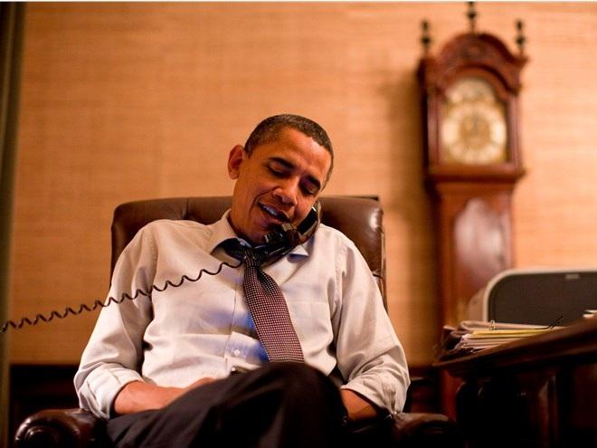 Làm ngày chưa đủ, Tổng thống Mỹ còn phải làm việc cả vào ban đêm (Ảnh: Reuters)