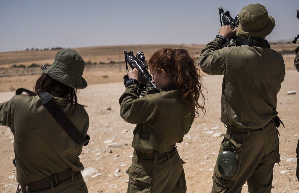 Biên giới Israel - Ai Cập, nơi tiểu đoàn Caracal thực hiện nhiệm vụ tuần tra, là khu vực thường xuyên xảy ra bất ổn. Tuy nhiên, điều đó không khiến các cô gái Israel nản chí.