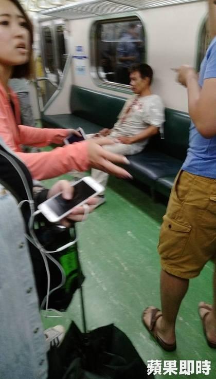 Đài Loan: Nổ tàu chở khách, ít nhất 24 người bị thương - 4