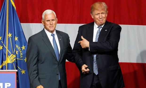 Ứng viên tổng thống đảng Cộng hòa Donald Trump (phải) và Thống đốc bang Indiana Mike Pence (Ảnh: Reuters)