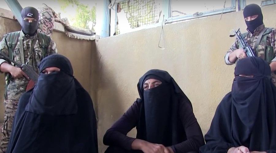 Các chiến binh IS cải trang thành phụ nữ (Ảnh: RT)