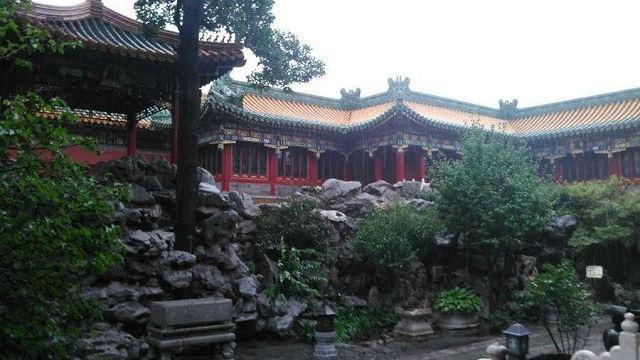 """Tử Cấm Thành được xây dựng từ đời nhà Minh theo mô hình kiến trúc truyền thống của Trung Quốc là """"bắc cao, nam thấp"""" để ngăn lũ."""