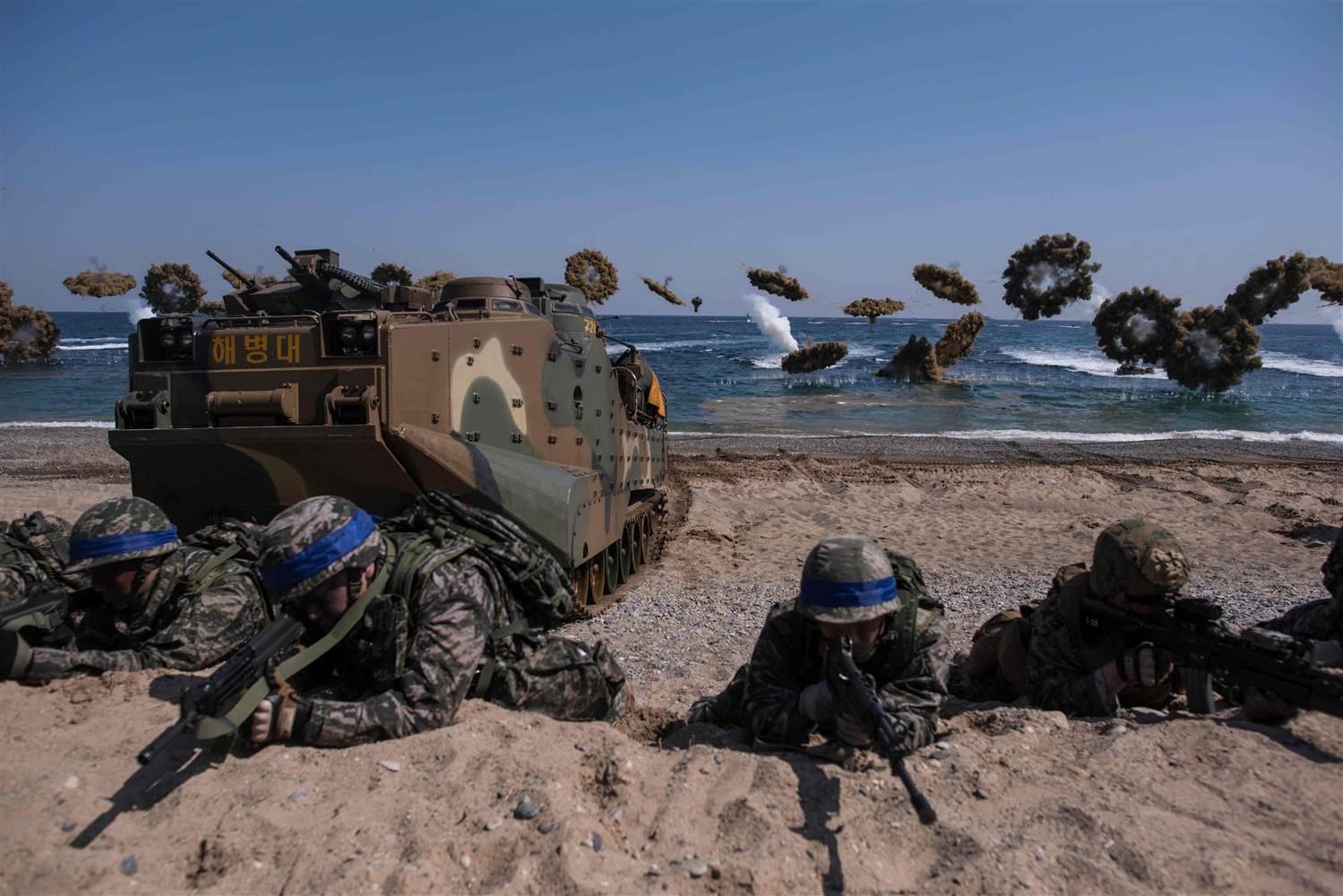 Quân đội Hàn Quốc và Mỹ tập trận chung tại Pohang hồi tháng 3/2016 (Ảnh: AFP)