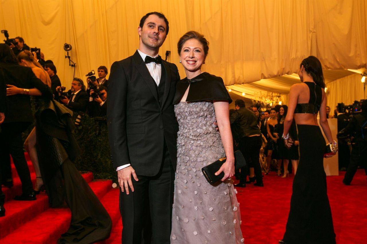 Chelsea và chồng, Marc Mezvinsky, tham dự một sự kiện (Ảnh: Reuters)