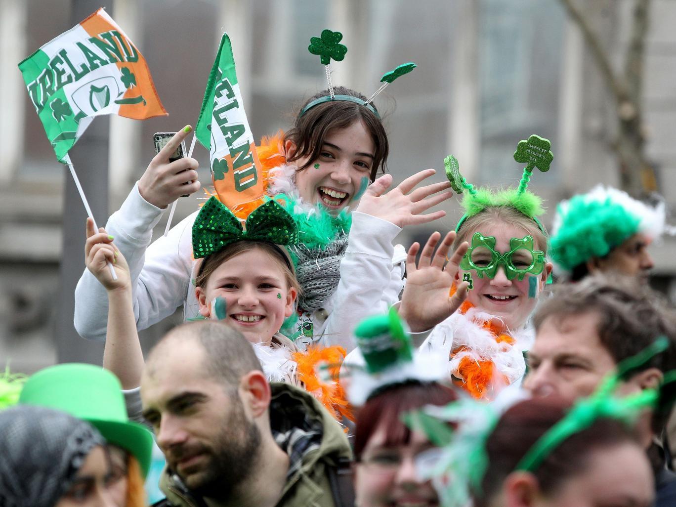 Những người Anh có cha hoặc mẹ là người Ireland hoặc trong một số trường hợp nhất định có ông hoặc bà là người Ireland mặc nhiên có quyền trở thành công dân Ireland (Ảnh: AFP)