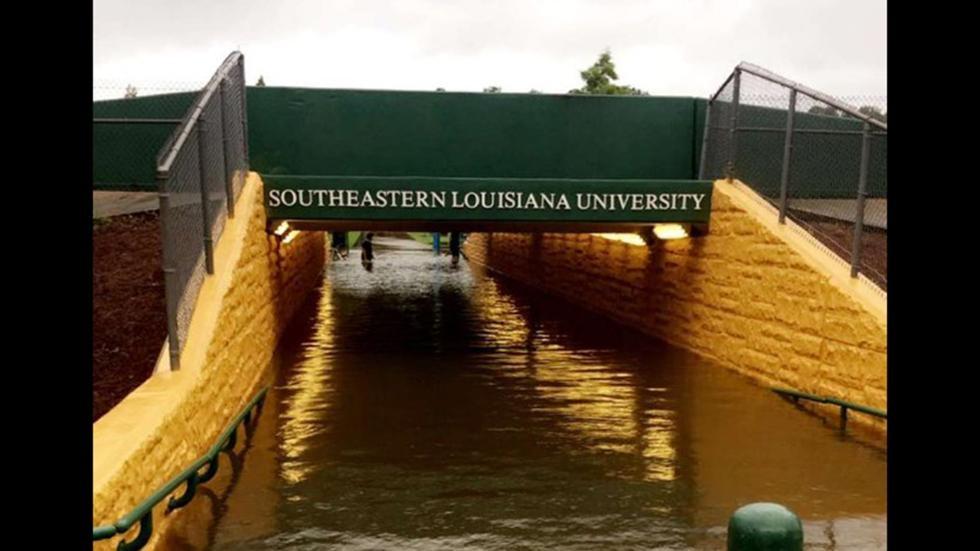 Đại học Đông Nam Louisiana cũng không tránh khỏi hiện tượng ngập lụt trong nhiều ngày qua.