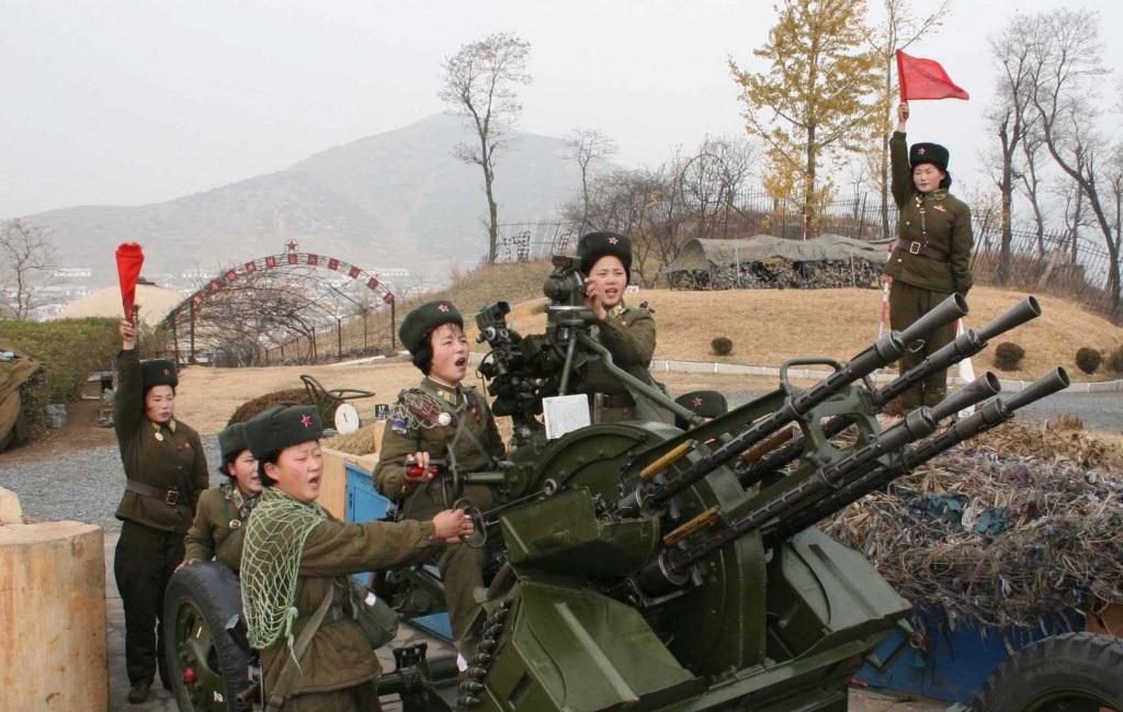 Các nữ binh lính Triều Tiên trong một buổi tập luyện (Ảnh: KoreanTimes)
