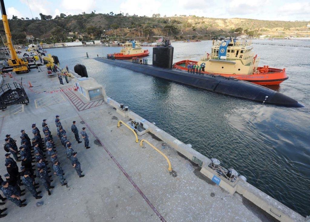 Tàu ngầm USS Alexandria cập cảng ở thành phố San Diego, Mỹ vào ngày 10/11/2015 (Ảnh: US Navy)