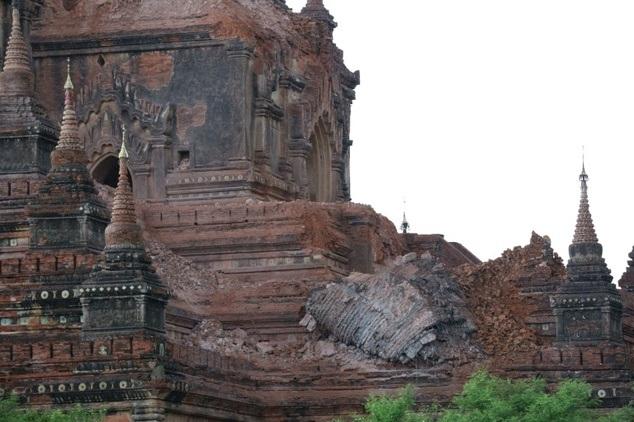 Theo Bộ Thông tin Myanmar, 3 nạn nhân thiệt mạng gồm 2 bé gái, lần lượt 7 và 15 tuổi, và một nam thanh niên 22 tuổi. Cảnh sát địa phương cho biết các nạn nhân thiệt mạng do nhà bị sập vào thời điểm động đất xảy ra. (Ảnh: AFP)