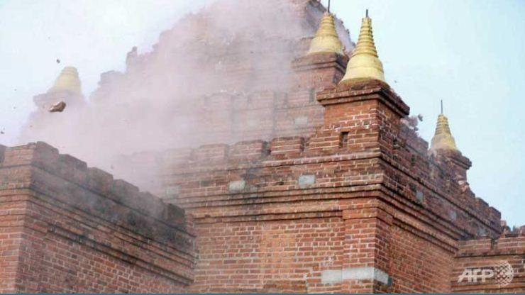 Một số ngôi chùa bị hư hỏng nặng, khó có khả năng phục hồi nguyên trạng. (Ảnh: AFP)