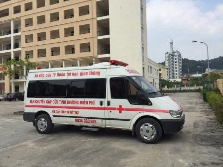 Chiếc xe cứu thương của anh Nam trong 1 lần chở bệnh nhân bị tai nạn giao thông miễn phí đi cấp cứu tại bệnh viện
