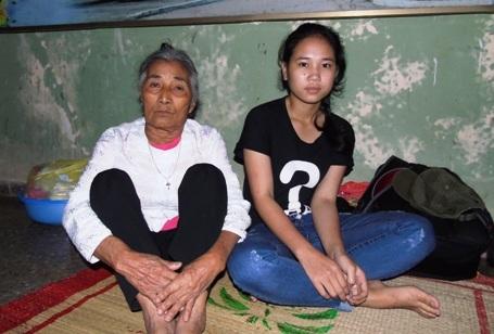 Hoàn cảnh gia đình rơi vào bĩ cực nên giờ đâytương lai của em Hương đang trở nên mù mịt