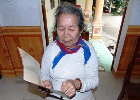 Bức thư cuối cùng của thiếu úy Trần Văn Phương viết về cho gia đình được mẹ Đức cất giữ rất cẩn thận