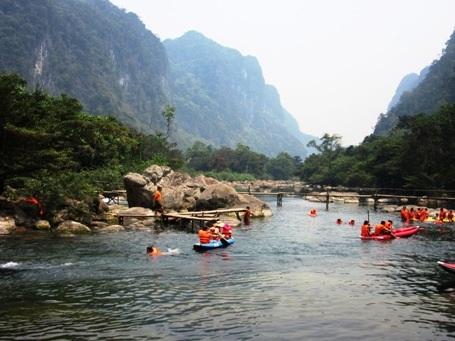 Ngành Du lịch Quảng Bình luôn được xác định là ngành kinh tế mũi nhọn