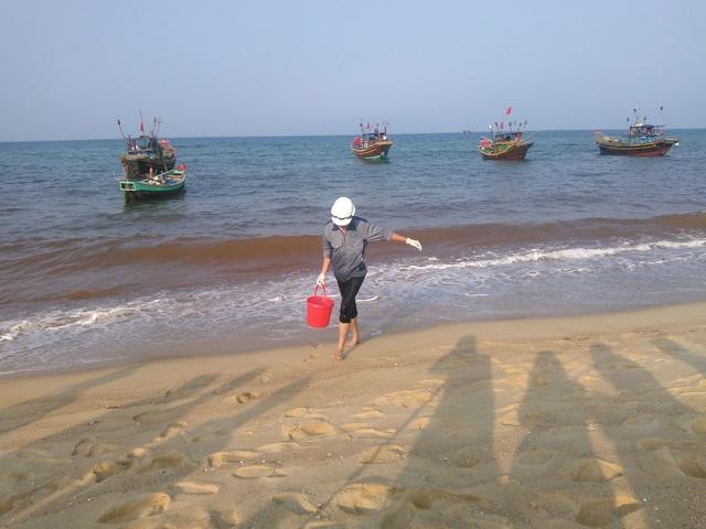 Hiện tượng nước biển xuất hiện màu đỏ ở xã Nhân Trạch hiện vẫn chưa rõ nguyên nhân