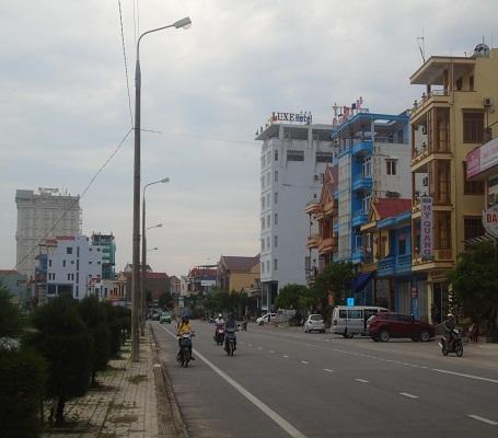 Du khách đến với các nhà hàng và khách sạn trên địa bàn Quảng Bình bắt đầu tăng