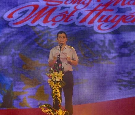 Ông Trần Tiến Dũng, Phó Chủ tịch UBND tỉnh Quảng Bình, phát biểu tại chương trình.