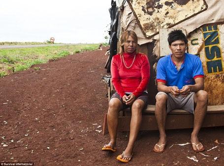 Bộ lạc cổ xưa sống trong rừng Amazon bị đẩy vào đường cùng bi kịch - 16