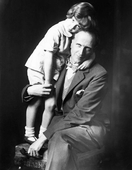 Cậu bé Christopher Robin rất được cha cưng chiều và đã trở thành nguồn cảm hứng để ông sáng tác được nhiều tác phẩm văn học nổi tiếng dành cho thiếu nhi, đặc biệt phải kể tới những cuốn truyện xoay quanh gấu Pooh và những người bạn.