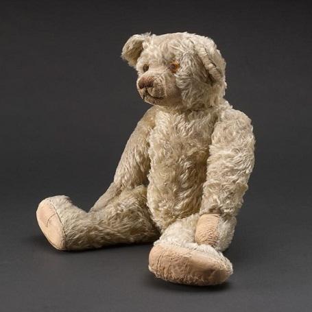Gấu bông Edward truyền cảm hứng cho nhân vật gấu Winnie the Pooh.