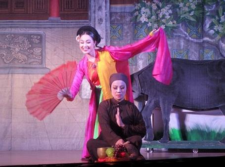 """Hình ảnh một trích đoạn trong """"Long thành diễn xướng"""" (Ảnh: Đức Triết). Bắt đầu từ ngày 10/10, tại Nhà hát chèo Hà Nội, sẽ tổ chức biểu diễn """"Long thành diễn xướng"""" hằng ngày thay vì cách 1 ngày như trước đây."""