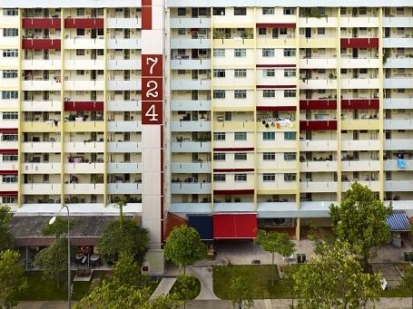 Chưa ở đâu, Steinhauer thấy có những tòa chung cư mang nét riêng độc đáo như ở Singapore.