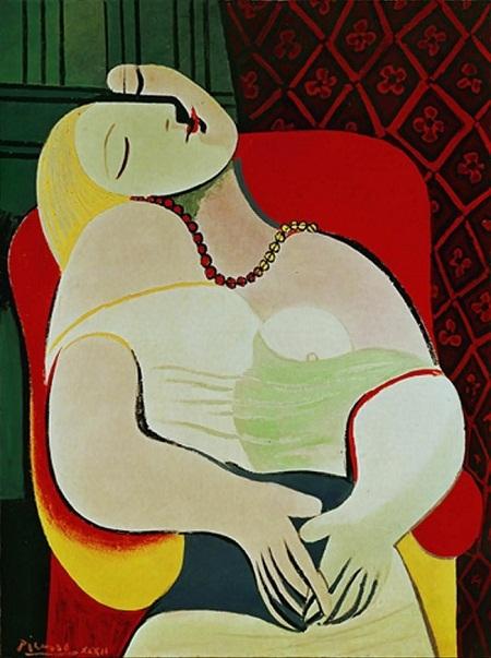 """Marie-Therese Walter - nàng thơ của danh họa Tây Ban Nha Pablo Picasso: Picasso có nhiều nàng thơ và Walter là một trong số đó. Picasso gặp Walter năm 1927 khi đã có gia đình. Tuy vậy, không gì có thể ngăn cản ông đến với người phụ nữ khiến ông cảm thấy được truyền cảm hứng mới. Trong mối tình với Walter, Picasso đã thực hiện vô số bức tranh khắc họa nàng, nổi tiếng nhất có bức """"Le Reve"""". Cuối cùng, khi cảm xúc đã cạn, Picasso lại đi tìm nguồn cảm hứng mới và rời bỏ Walter. Dù vậy, cả cuộc đời còn lại của mình, Walter dành để thương nhớ Picasso, bà đã tự tử ở thời điểm 4 năm sau khi Picasso qua đời."""