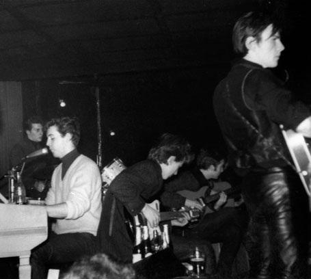 """Cuộc đời buồn thảm của """"thành viên thứ 5"""" trong ban nhạc The Beatles - 9"""