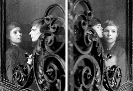 Ảnh chụp năm 1961 của Stuart Sutcliffe và bạn gái - nữ nhiếp ảnh gia Astrid Kirchherr. Sau khi đến Hamburg biểu diễn cùng The Beatles và tình cờ gặp gỡ Kirchherr, Sutcliffe không cùng các bạn trở về Anh nữa mà quyết định ở lại Hamburg với bạn gái.