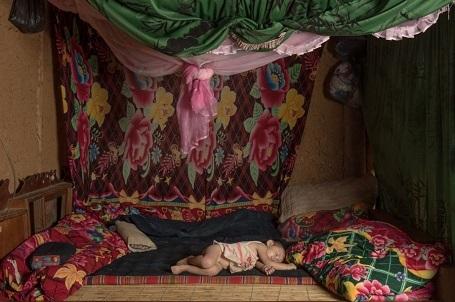 Đứa trẻ đang ngủ - Mohamed Alkaabi