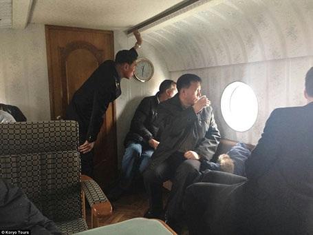 Du khách có mặt trên chuyến bay này có thể quan sát, chụp ảnh, quay phim tương đối thoải mái.