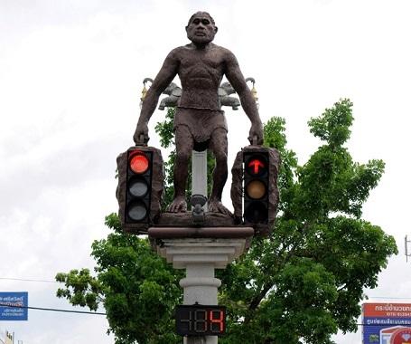 """Những cột đèn giao thông """"biết gây cười"""" - 1"""