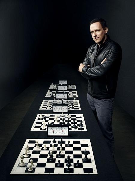 Doanh nhân người Mỹ Peter Thiel. Sở hữu khối tài sản 2,8 tỉ đô la.