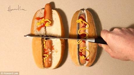 Cuối cùng, Howard Lee dùng một con dao để chặt đôi chiếc bánh mì thật trong khi chiếc bánh vẽ vẫn không hề thay đổi hình dạng.