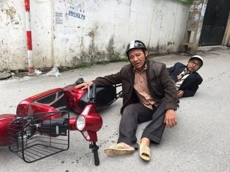 """Một cảnh quay trong đĩa hài """"Thông gia đón Tết"""" vừa được đóng máy của nghệ sỹ Quang Tèo (Ảnh: ĐPCC)"""
