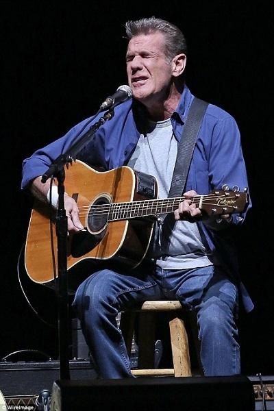 Glenn Frey đã qua đời vì nhiều chứng bệnh tuổi già khác nhau, trong đó nặng nhất là bệnh viêm phổi.