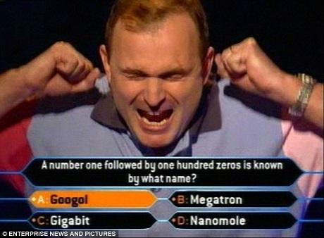 """Charles Ingram ở thời điểm giành chiến thắng cao nhất - 1 triệu bảng - tại chương trình """"Ai là triệu phú?"""" phiên bản Anh."""