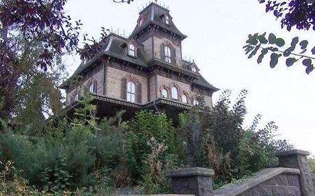 Biệt thự Ma ám ở Disneyland Paris, Pháp