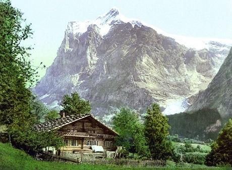 Ngôi nhà gỗ ở gần núi Wetterhorn, Thụy Sĩ.